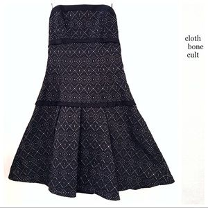 ✨NWT✨ ABS Strapless Embroidered Pleated DRESS